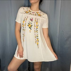 Umgee floral embroidered tunic